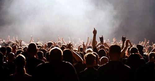 Zuschauermenge auf einem Festival